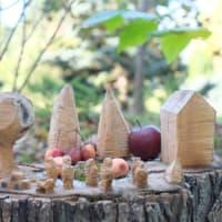 帯広・真鍋庭園にある、森の小さなアート