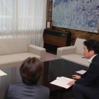 第42回全国JOCジュニアオリンピックカップ夏季水泳競技大会に出場された永谷季音さんに箕面市長表彰!