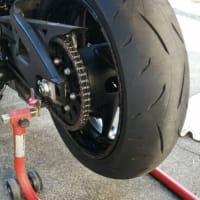 2020/11/23>GSX-S1000 リヤタイヤ+リヤパッド交換