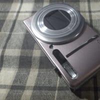 ピンクのカメラ
