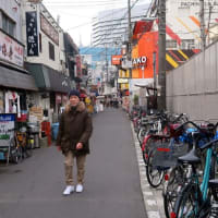 立って食べる′てっちり′を堪能した日 enjoyed blowfish hot pot and hot sake at a bar