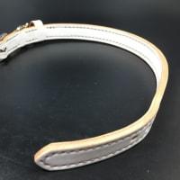 オーダーメイドの白い首輪