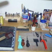ハンドメイドレザーとゆかいな道具たち