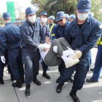 辺野古ゲート前で防衛局の変更計画について説明 --- 今、県の「あらゆる手段の行使」が求められている!