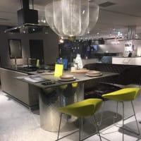 LDK空間と使い勝手の良いキッチン(台所)の連結と空間構成で毎日の暮らしの質が向上する様に・・・そうする事で日々の過ごし方から蓄積される気持ちの部分もマイホームだからこその意味を。
