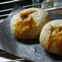 チーズケーキと酵母チーズパン