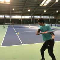 ■バックハンドスライス スライスが浮いてしまう原因①「膝が曲がり過ぎている」 〜才能がない人でも上達できるテニスブログ〜