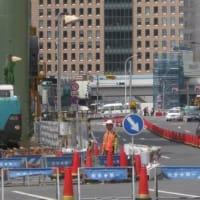 やっと八重洲線の工事が再建と見えるようになった。