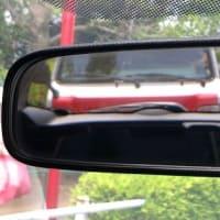 後ろにいるのは赤帽車:昭島市