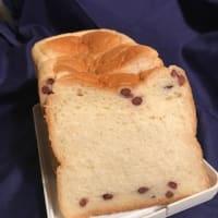 頂き物は「あずき食パン」と「マンゴーチョコ」