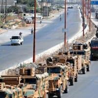 シリア  越境トルコ軍車列に政府軍空爆 イドリブ支配のイスラム過激派は要衝から撤退か