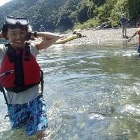 残暑キビシー川をカヤックでザブザブと行くざんしょ