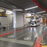 カルガリー空港内 ターミナル間移動 交通 YYC LINK