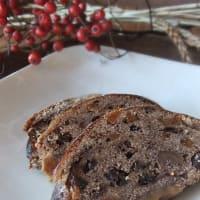 クリスマス菓子『シュトーレン』の販売を開始します。どうぞよろしくお願いいたします。