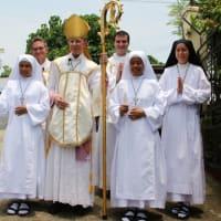 フィリピンのダバオでのオブレート修道女の着衣式