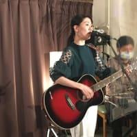 12月18日(金)の夜は、細木夏美(vo,pf,gt)さんのライブでした!