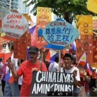 フィリピン  対中国では、親中派大統領と世論には乖離もあるなか、中国漁船「当て逃げ」事件
