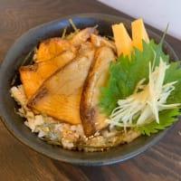 本日のオススメ「漁師の煮付け丼」海鮮丼屋 小田原 海舟 本店