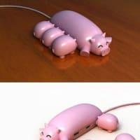 幸せな豚の親子