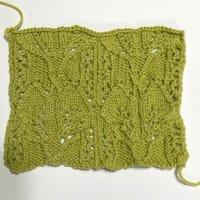 相変わらず編み物w