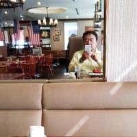 本日のランチは今月末で惜しまれて閉店する店員資産が日本一のカウボーイ家族湯里店へ。2組立て続けにバースディが。デザートは本日はパイナップル。明日から柿が出るとか。1日違いで残念。