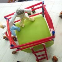 4年生の男の子たちの工作