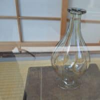 まち歩き下1231 京の通り 麩屋町通 NO10    店ですか ショーウインドウ ガラス瓶