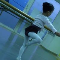 ちびちゃんのレッスン ねらい目バレエ教室