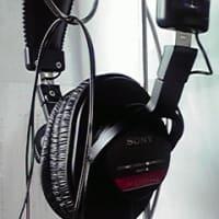感想:ヘッドホン『MDR-V6』(Sony)の音質