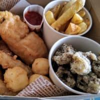 フィッシュ&チップス専門店で「よくばりボックス」をテイクアウト!・・・まるたまFish&Chips(曙)