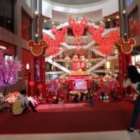真っ赤に染まるCNYで一番印象的だった光景はパビリオンの  「龍の舞い=ドラゴン」