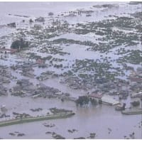 千曲川氾濫 南北に1キロ余 支流の氾濫も被害拡大 専門家調査。長野市穂保地区