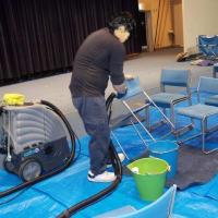 10階 会議室の椅子、洗浄致しました!