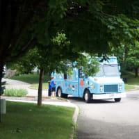 アイスクリームカーがやってきた!