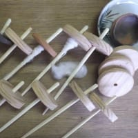 糸紡ぎの基本用具スピンドル(紡錘子)を何種類か制作