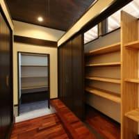 玄関収納・土間収納・玄関クローク・ファミリークローゼットなど、暮らしの収納空間で玄関周辺での使い勝手と収納物量を間取りの設計デザインと暮らし方に落とし込むように。