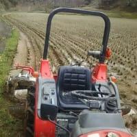 春の農作業開始・・・あぜ塗りスタートり・・・10枚の田圃を終わらせました・・・曲線のアゼは疲れるわ!