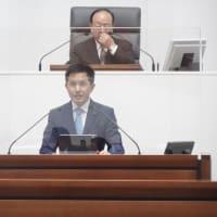 予算関係議案を予算特別委員会へ再付託しました。