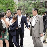 2019年参院選 ~ 「北海道での安倍氏の演説」、「複数の庶民から「安倍辞めろ~!、増税反対~!」の声!」~「警察が強制拘束!」「過剰対応なのでは?!」。