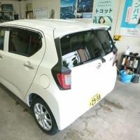 本日PITでは納車前の新車「ミラ・イース」のコーティング施工を開始!