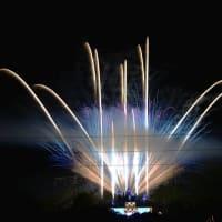 ハーモニーランド開園30周年記念イベント花火 正面から