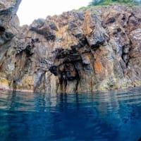 今日の香住は島裏洞窟(五色洞門)コースを満喫