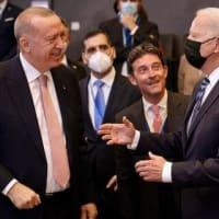 エルドアン大統領がNATOサミットで各国首脳と会談