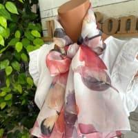 パッと巻くだけ垂らすだけ🎶サラッと夏のスカーフで紫外線対策・お腹の当たりも隠しちゃえ〜Made in ITALY