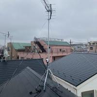 雨の中、今日もせっせとアンテナ工事