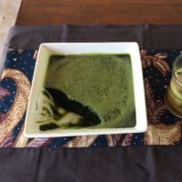 葉っぱのしぼり汁がゼリーになるジェンドール(バリのダイエット食)