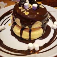オリジナルパンケーキハウス アメリカンダイニング マシュマロとクッキーのふわふわチョコレートパンケーキ
