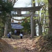 山の実家、集落内の神社の春まつり準備・・・