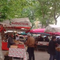 Aix en Provenceの骨董市へ