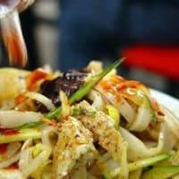 西安本場名物料理ーーー涼皮と中国式ハンバーガー